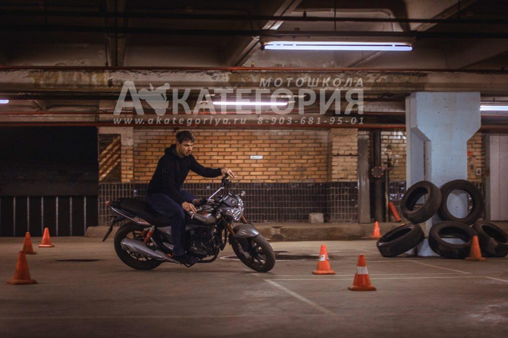 Контраварийное вождение мотоцикла
