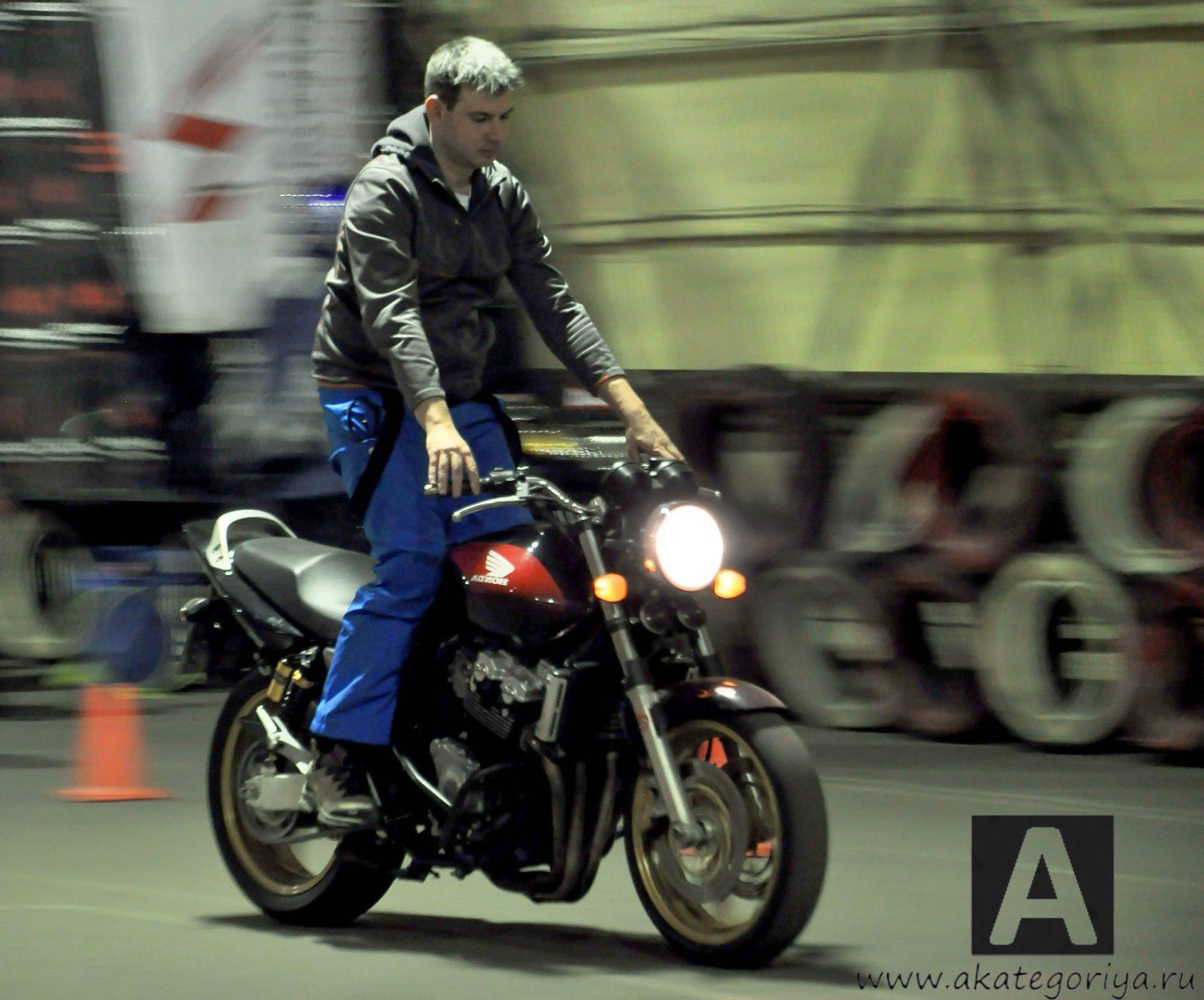 Стоимость обучения управлению мотоциклом.