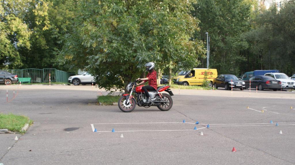 Уроки мото вождения