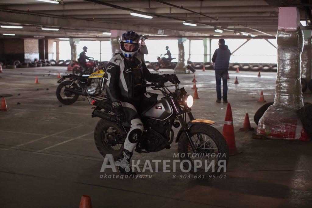 Мотоинструктор Александр Черников