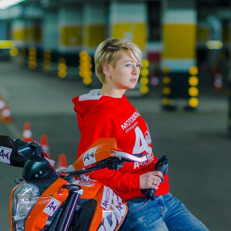 Вегас мотошкола девушка мотоинструктор
